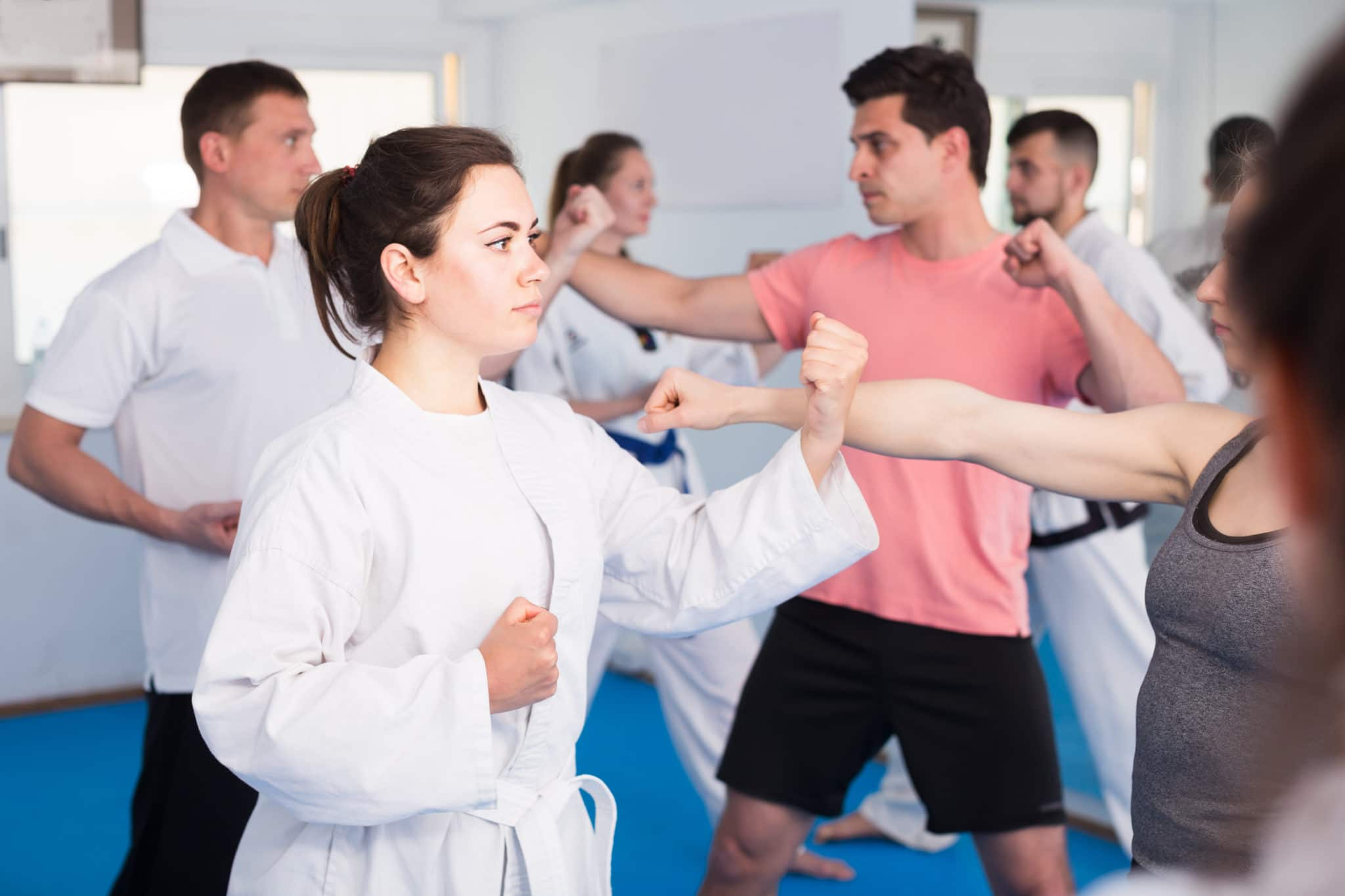 Lesson on karate in a mixed group